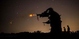 Gece Baskınında Komutanı Korkup Saklanırken Aslan Kesilen Bir Askerin Etkileyici Hikayesi