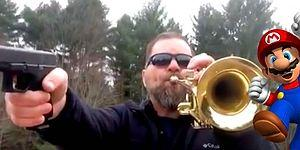 Mario'nun Tema Müziğini Silah ve Trompet ile Cover'layan Bir Acayip Adam