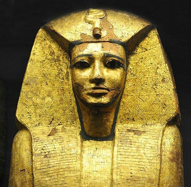 15. Altın heykeller - Mısır