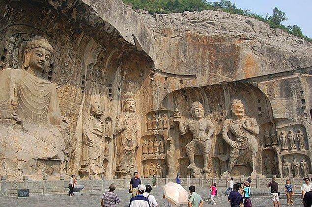 6. Longmen Mağaraları - Çin