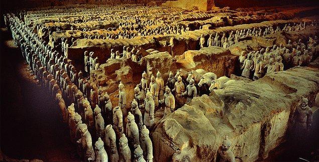 4. Qin Shi Huang'ın Mezarı - Çin