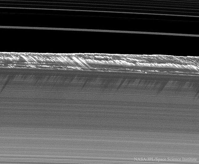 24. Satürn Halkaları Üzerindeki Pervane Gölgeler