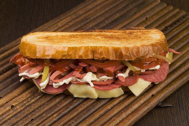4. Aman dikkat! Bunun için özel bir ekmeğe ihtiyacınız var!