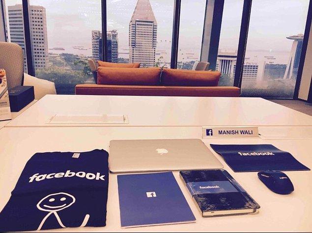 1. Facebook'ta İlk Gün