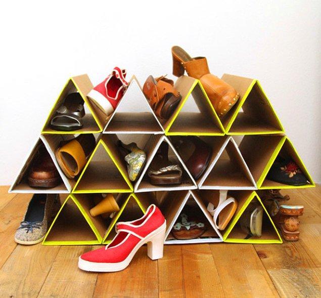2. Hiçbir yere sığmayan ayakkabıları düzenlemek için ihtiyacınız sadece mukavva!