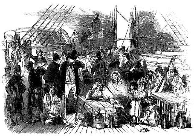 Yine de Halloween'in son aşaması ABD'de yazıldı. Amerika'nın keşfinden sonra kendini orada bulan Hıristiyanlar ve Kelt kökenli vatandaşlar bu kültürü olabildiğine oraya taşıdılar.