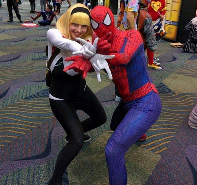 12. Örümcek Gwen ve Örümcek Adam