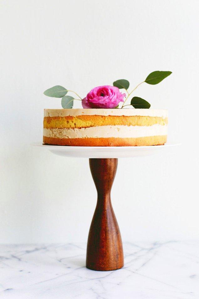 17. Değişik mumluklarınız pasta standı olabilir!