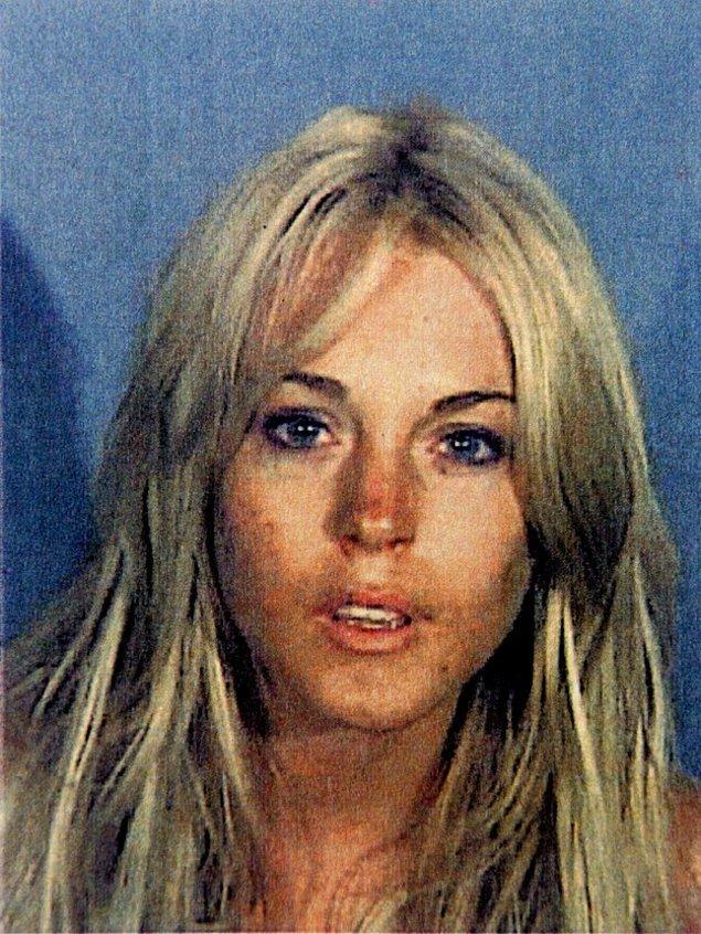 11. Bu sırada Lindsay Lohan alkollü araç kullanmak suçuyla 84 dakikalık hapis cezası çekti.