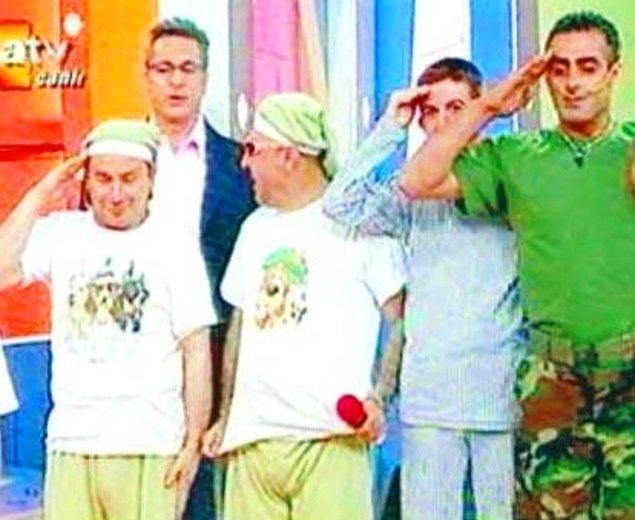 1. 2006 yılı ile başlıyoruz şimdi! Mehmet Ali Erbil'in canlı yayında pantolon indirmesi insanları hayrete düşürdü.