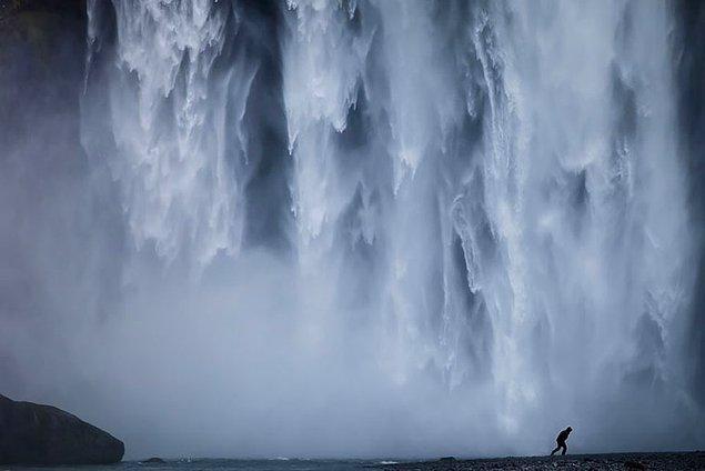 12. Skogafoss Şelalesi, İzlanda