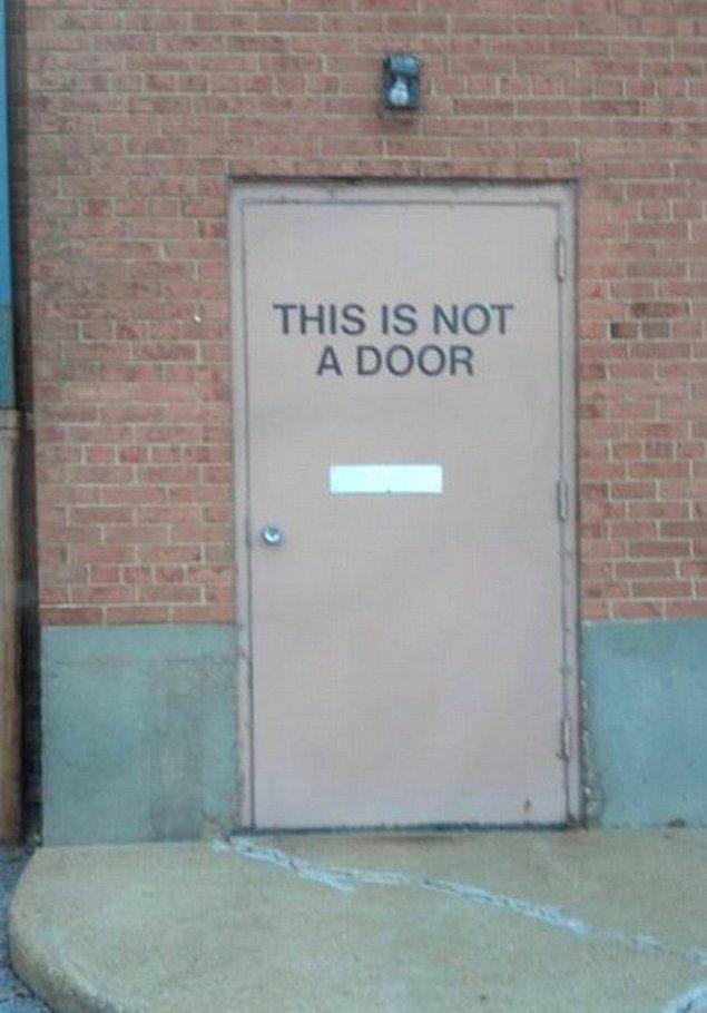 """10. """"Bu bir kapı değildir."""" - Rene Magritte"""