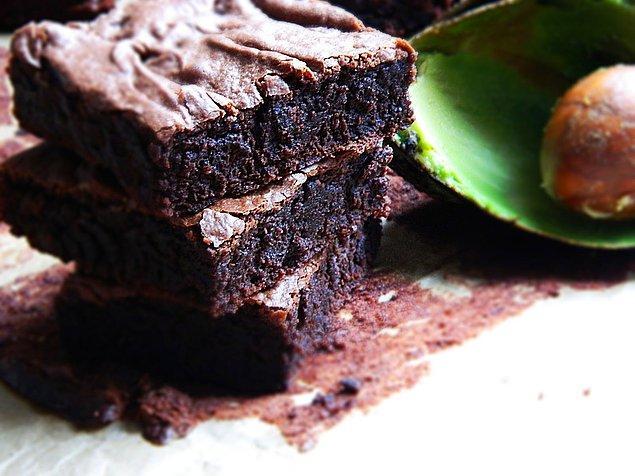 6. Özellikle kekleri daha sağlıklı hale getirmek için yağ miktarını azaltıyoruz!