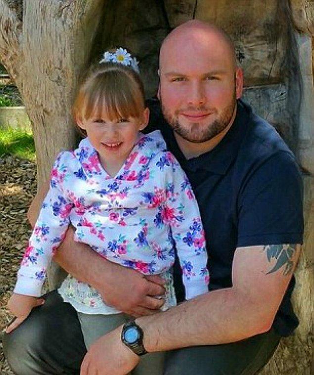Jessica ve babası Andy Whelan bu amansız hastalık onları esir etmeden önce gayet mutluydu.