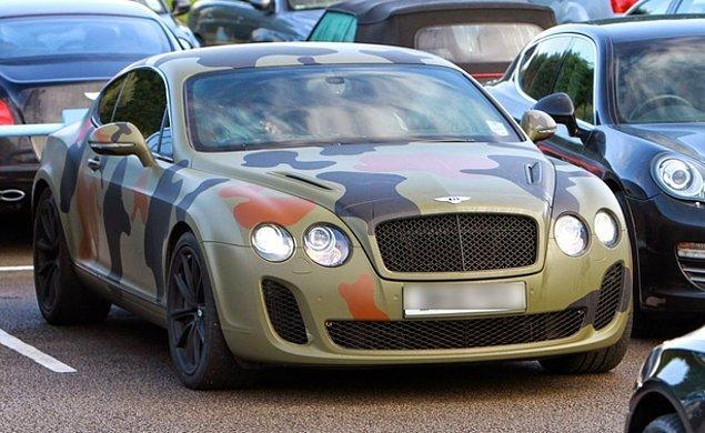 14. Mario Balotelli - Kamuflaj Bentley