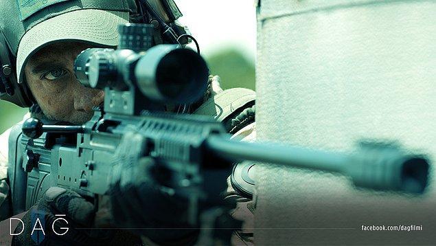 5. DAĞ II, Türk Silahlı Kuvvetleri'nin (TSK) destekleriyle gerçek silahların ve ordu ekipmanlarının kullanıldığı ilk ve tek Türk filmidir.