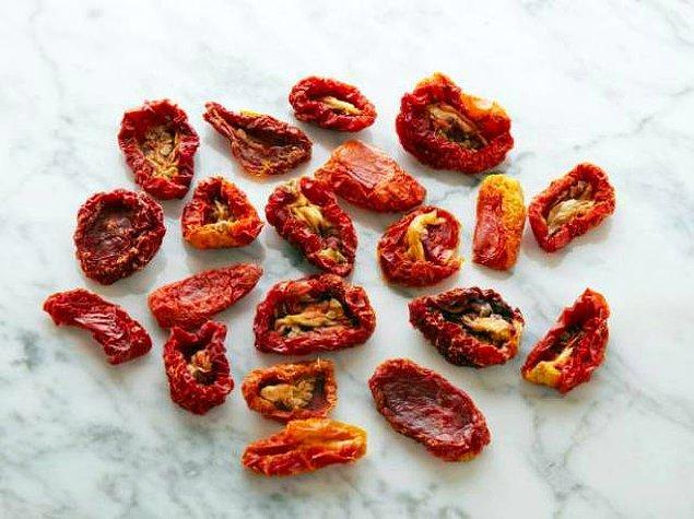 20 adet kurutulmuş domates = 100 kalori