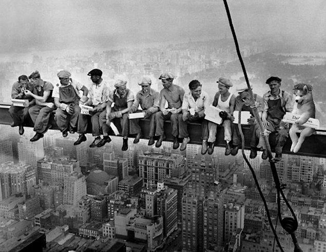 20. Rockefeller binasında bir mama molası.