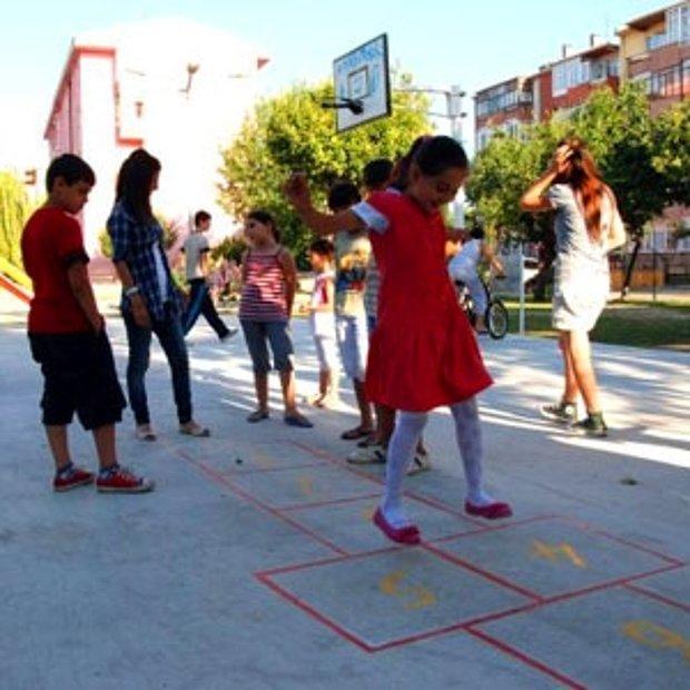 Her Türden Sokak Oyunu