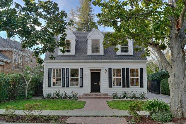 8. Palo Alto'da standartlara göre ortalama bir evin bedeli dudak uçuklatıyor.