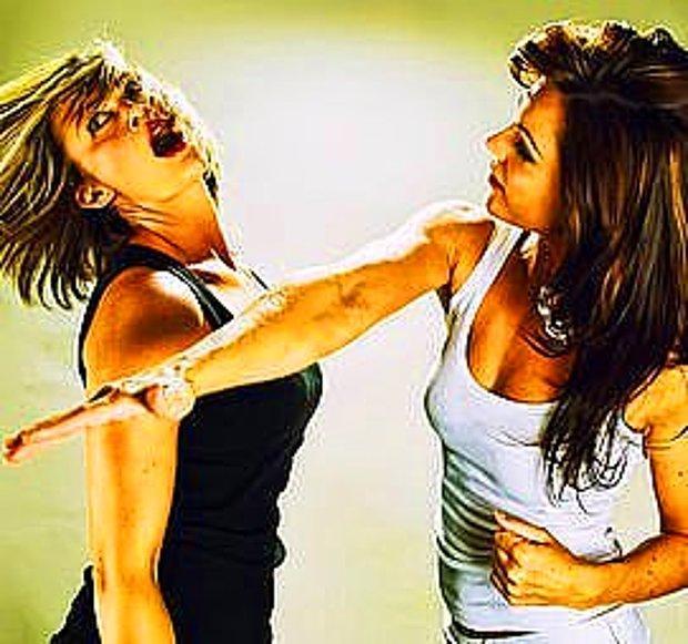 Kavga Eden Kadın Figürleri
