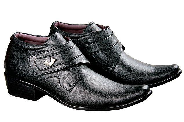 30. Şu fare görünümlü ayakkabılardan bi kurtulun arkadaş. Şu dünyada sadece siyah ve kahverengi ayakkabılar yok.