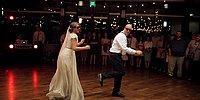 Sıkıcı Geleneksel Dansı Bırakıp Ortalığı Ateş Topuna Çeviren Gelin ve Babası