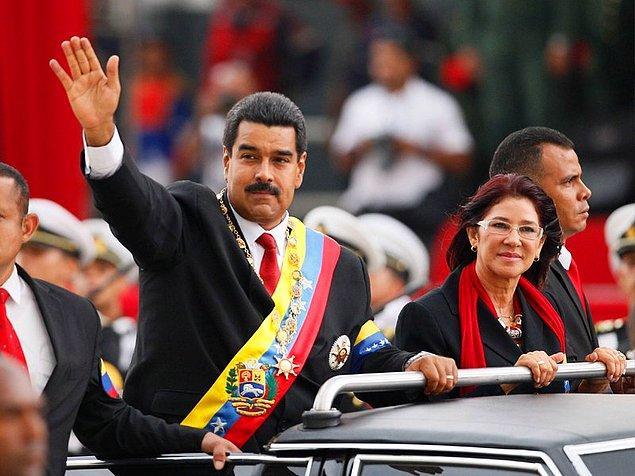 12. Hugo Chavez'in tanıştırdığı Cilia Flores ve Venezuela Cumhurbaşkanı Nicolás Maduro