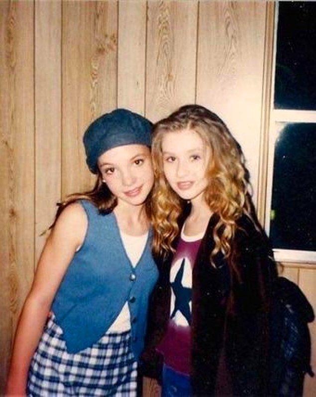 18. Britney Spears ve Christina Aguilera'nın tanışıklığı da The Mickey Mouse Club isimli çocuk programına dayanıyor.