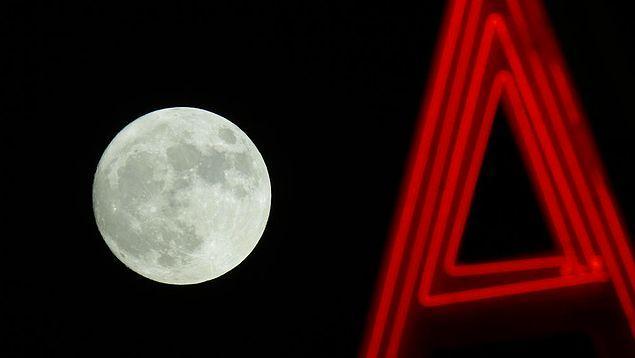 Dünya ile Ay son olarak 1948 yılında birbirlerine bu kadar yaklaşmıştı.
