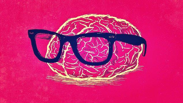 4. Herhangi bir şeye odaklandığımızda, beynimizin diğer her şeyi görmezden gelmesi hangi dikkat türüne girer?
