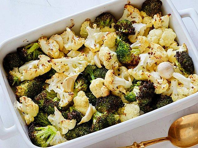 4. Brokoli ve karnabahar ile masaya sebze taşımanın vakti gelir!
