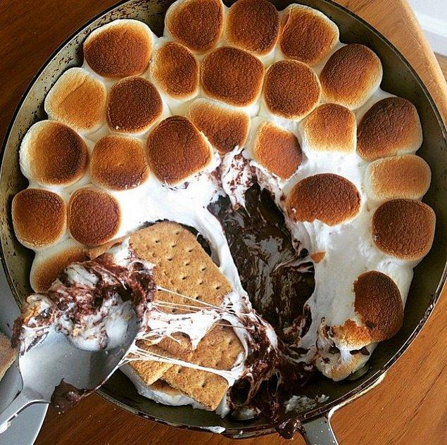 12. Tamam tamam kabul ediyoruz tam Şükran yemeği tatlısı değil, ancak ABD'de bayramlarda çok tutuyor!