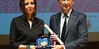 Elif Şafak'a Milano'nun Altın Anahtarı Verildi