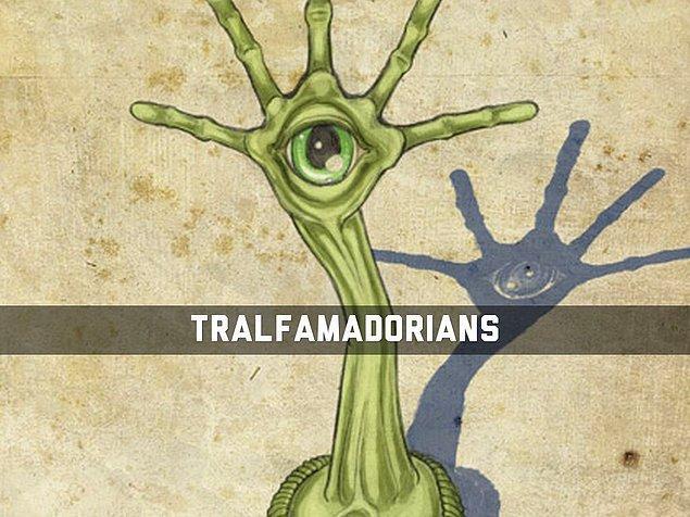 El demişken; Kurt Vonnegut'un kült bilim kurgu romanı Slaughterhouse Five'daki Tralfamadoreian'ları da andırıyor.