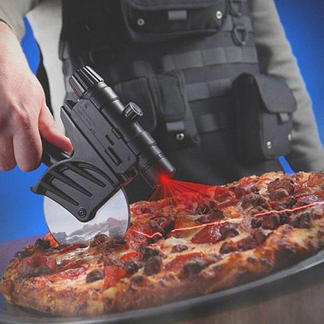 13. Lazerli pizza dilimleyici.