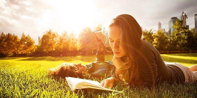 25. Her Kadının Hayatı Boyunca En Az Bir Kez Okuması Gereken 33 'Ufuk Açıcı' Kitap