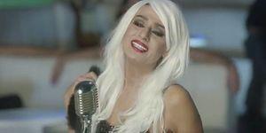 Yıldız Tilbe'den 'Aşkım Aşkım' Şarkısına Klip