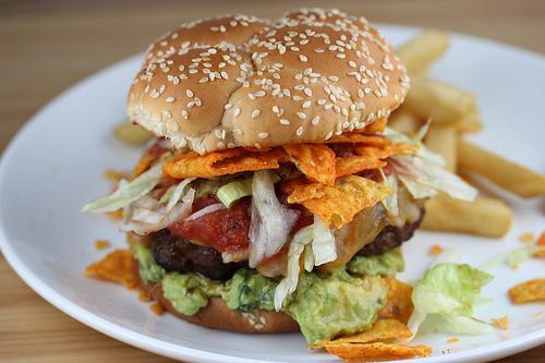 Hamburgerin Beşli Tonu: Sadece Beş Malzemeyle Damaklara Aşk Yaşatacak 12 Hamburger Tarifi 42