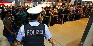 Almanya'da Havalimanında Tutulan 14 Türk'ün Sırrı Çözüldü