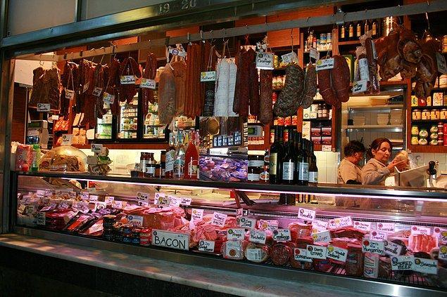 2. Avusturalya'ya gidince mutlaka uğranması gereken yerlerden: Queen Victoria Market, Melbourne