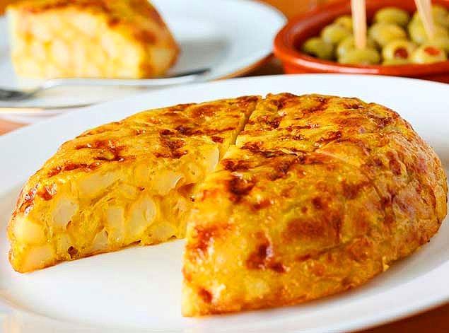 7. İspanyolların gününü aydınlatan, sabah kahvaltılarının vazgeçilmezi : Tortilla de Patatas