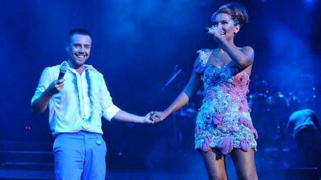 İçlerinde Demet Akalın ve Murat Dalkılıç'ın da bulunduğu bir grup sanatçı, 31 Aralık günü Azerbaycan'da konser verecek.