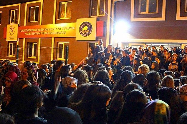 16. 10 Ekim tarihinde Nesibe Hatun Kız Öğrenci Yurdu öğrencileri kaçırılan arkadaşları için ortalığı birbirine kattılar!