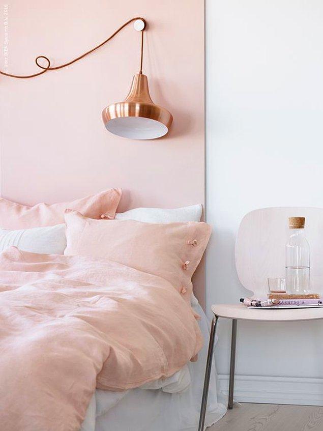 Renk trend uzmanlarının yaptığı açıklamalara göre Rose Quartz ilk kez 2014 yılında Pasifik Bölgesi'nde trend olmaya başladı.