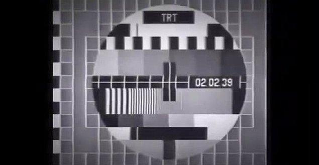 6. Saat 12'yi gösterdiğinde yayın kesilir, sabah 7'de açılır.