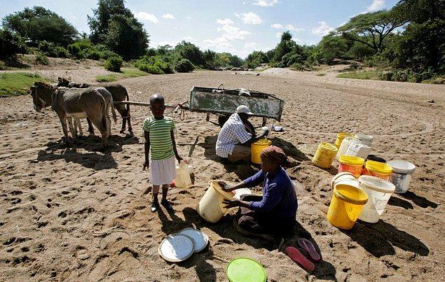 27. El Nino'dan etkilenen bir başka ülde de Zimbabve oldu. BM'ye göre ülkenin kuraklık içinde yaşayan halkının önümüzdeki yıl ciddi yardımlara ihtiyacı olacak.