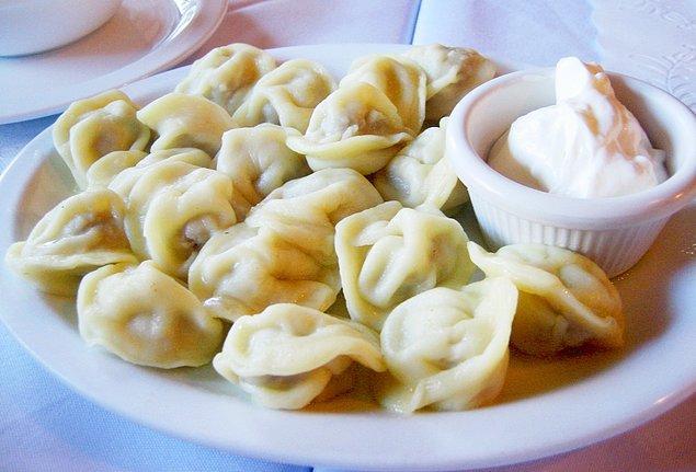 2. Hem tatlı hem tuzlu çeşitleri ile Rus mantısı: Pelmeni!