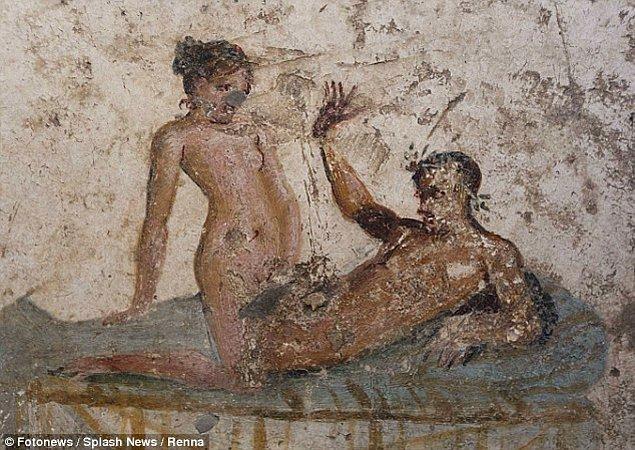 Kent tarihi boyunca bu erotik resimler ile süslenmiş durumda.