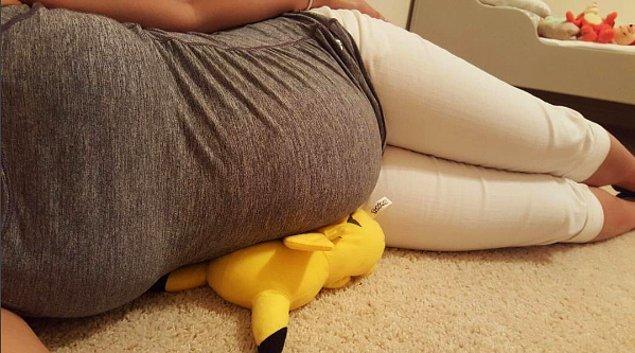 7. Destek için neredeyse her türlü yumoş oyuncak ve yastık yeterli olacaktır.